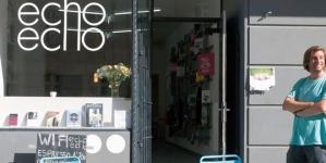Elektronikus zene olvasásra is – megnyílt Berlin első e-zenei könyvesboltja
