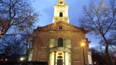 Perc ambient szettel készül…egy templomban!