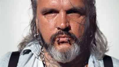 Sven Marquardt képeivel ellátott egyedi pólókat dob piacra a Hugo Boss