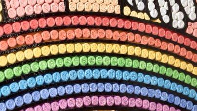 Műalkotások valódi extasy tablettából