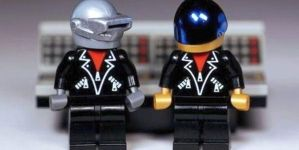 Még az is lehet, hogy Daft Punk figurákat fog gyártani a Lego
