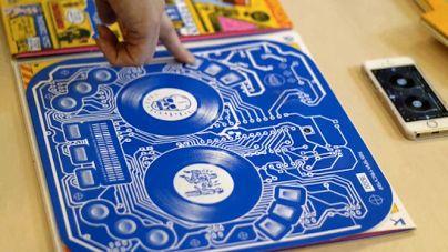 DJ Qbert új lemezének borítója kontrollerként is működik!