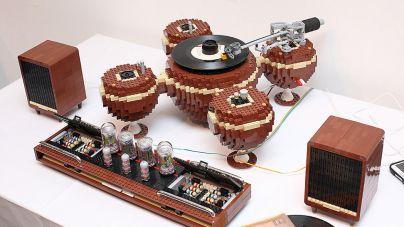 Lemezjátszó LEGO-ból, ami ráadásul még működik is!