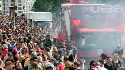 Idén is felvonulna Berlinben a Zug der Liebe