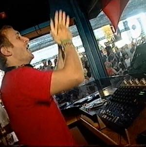Valamikor a 90-es években… Videó a fiatal David Guetta fellépéséről a Space-ben
