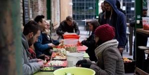 Zenével a közös üstbe  Food Not Bombs Budapest támogató fesztivál
