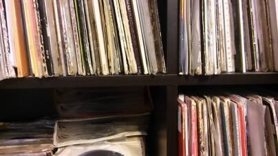 Dr Motte eladja a lemezgyűjteményét