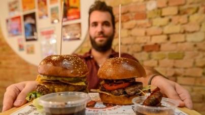 Work hard, play hard – Jancsa Jani, a burgerpápa