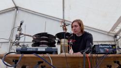 Így is lehet zenét szerezni: Graham Dunning egy igazi zseni!