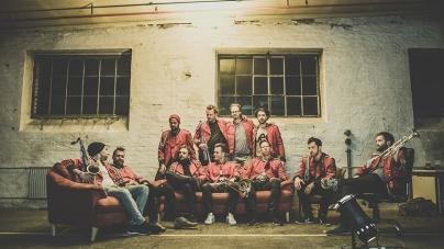 Man With The Red Face? Ezek a rézfúvósok eljátszották hangszeren!