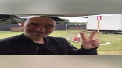 Így gördült be Len Faki tegnap az Awakenings Festivalra