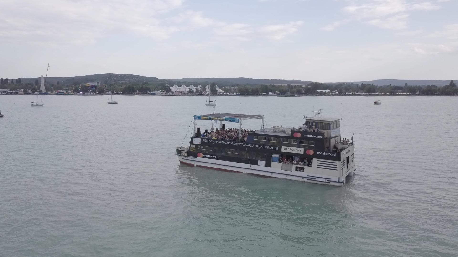 sound boat