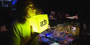 ADE Sound Lab: Mély interjúk és lehetőségek feltörekvő zenészeknek