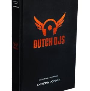 Dutch DJs – 450 oldalas kiadvány jelent meg a holland lemezlovasokról