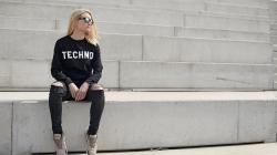 Hogyan öltöznek a technofanatikusok? Egy lengyel márka megmondja a választ.