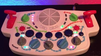 Ez a szintetizátor minden kisgyereket zenefüggővé tesz!