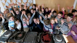 Mathias Kaden ellátogatott a volt általános iskolájába