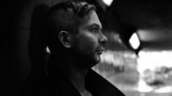 Ma jelenik meg Inigo Kennedy új albuma a Strata!
