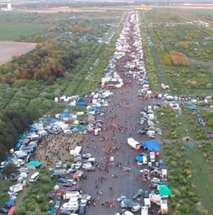 Több tízezer ember vett részt Franciaországban egy illegálbulin