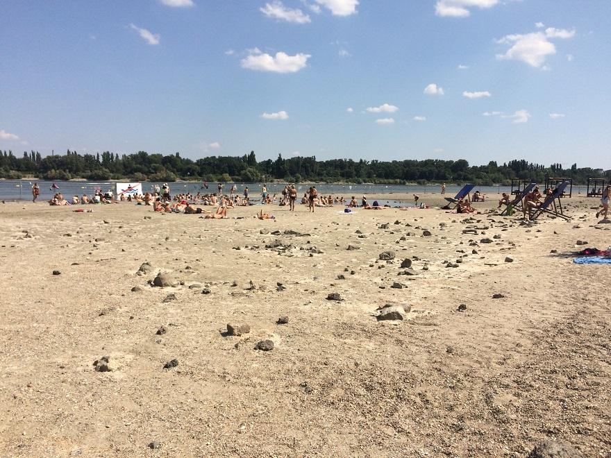Amúgy meg majdnem kiszáradt a Duna.