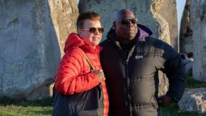 Carl Cox és Paul Oakenfold a Stonehenge előtt zenéltek
